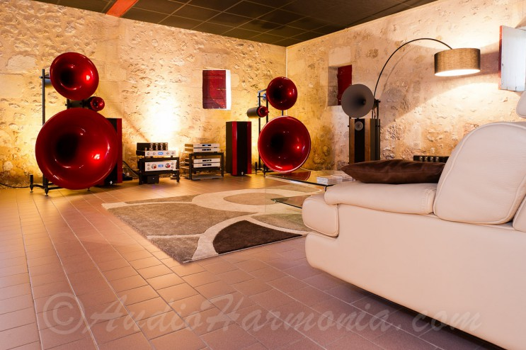 AVANTGARDE Enceinte TRIO face / AUDIO HARMONIA Bordeaux